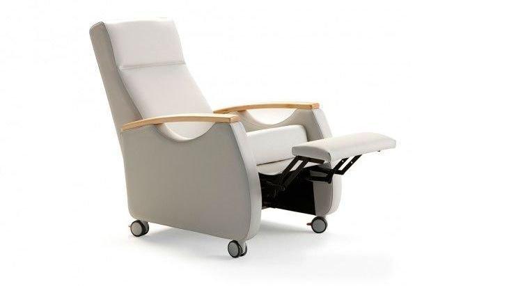 Sillón reclinable con ruedas